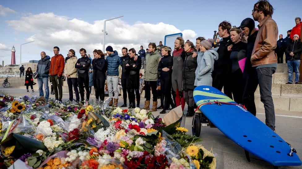 A commemoration at surf club The Shore on the beach of Scheveningen, to commemorate the deceased surfers in Scheveningen, the Netherlands, 13 May 2020